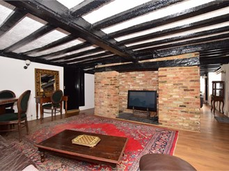 5 bed detached house in Lydd, Romney Marsh