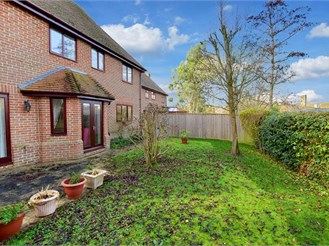 4 bed detached house in Saltwood, Hythe