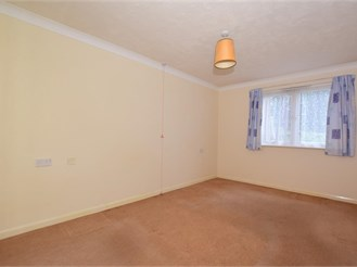 2 bedroom ground floor retirement flat in Birchington
