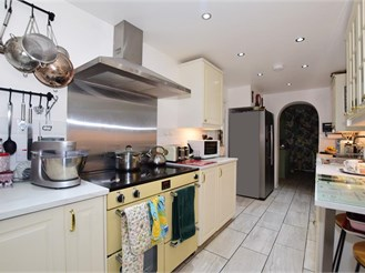 4 bed semi-detached house in Walmer, Deal
