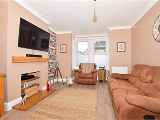 2 bed terraced house in Sittingbourne