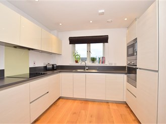 2 bed top floor flat in Chatham