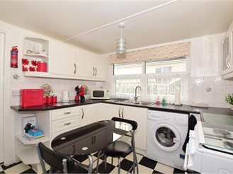 3 bed park home in Minster, Ramsgate