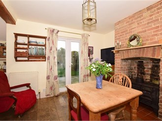3 bed detached house in Walmer, Deal