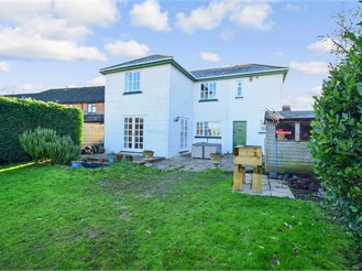 4 bed detached house in Southfleet