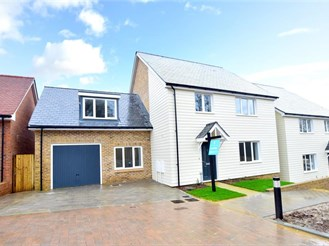 5 bed detached house in Scaynes Hill