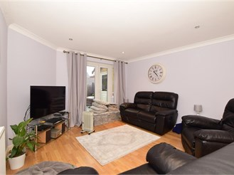 4 bed end of terrace house in Tovil, Maidstone
