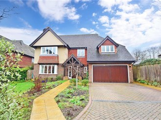 5 bedroom detached house in Felbridge, East Grinstead