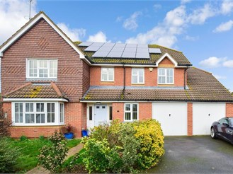 5 bedroom detached house in Chestfield, Whitstable