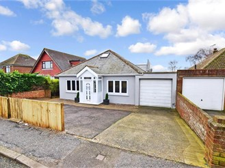 4 bed detached bungalow in Cliffsend, Ramsgate