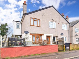 3 bed semi-detached house in Northfleet, Gravesend