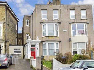 4 bed terraced house in Ramsgate