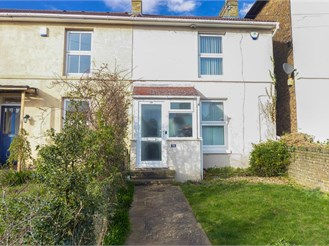 3 bed end of terrace house in Maidstone