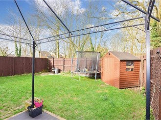 4 bed semi-detached house in New Ash Green, Longfield