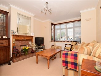 4 bed semi-detached house in Tunbridge Wells