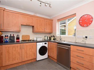 4 bed detached house in Whitstable