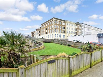 1 bed second floor apartment in Herne Bay