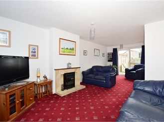 3 bed semi-detached house in Bearsted, Maidstone