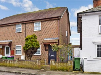 2 bed end of terrace house in Lydd, Romney Marsh