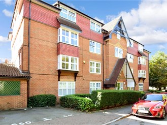 2 bed first floor apartment in Dartford