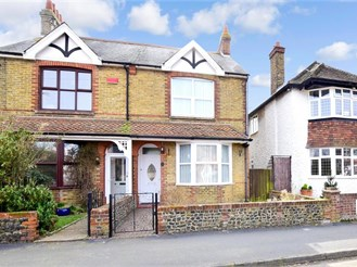 3 bed semi-detached house in Birchington