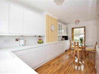3 bed town house in East Malling, West Malling