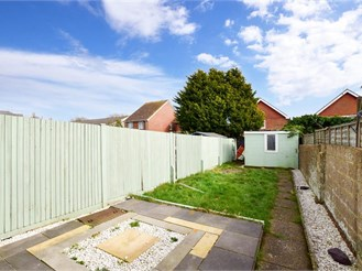 3 bed terraced house in Lydd
