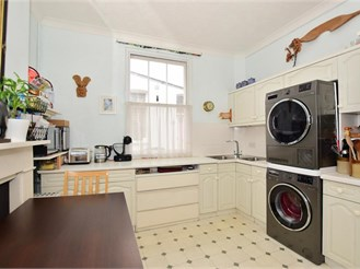 3 bed retirement property in Faversham