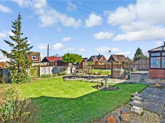 2 bed semi-detached bungalow in Lympne, Hythe
