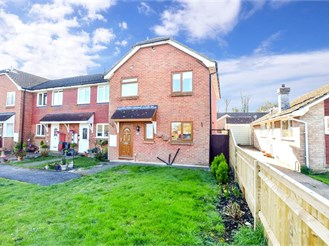 3 bed end of terrace house in West Kingsdown, Sevenoaks
