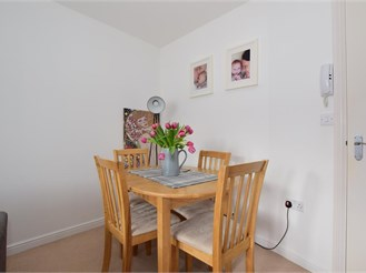 2 bed first floor flat in Ashford