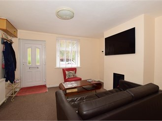 2 bed semi-detached house in Wrotham Heath, Sevenoaks