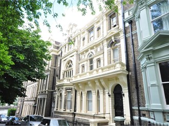 1 bed flat in Castle Hill