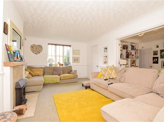 5 bed detached house in West Malling