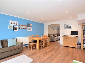3 bed end of terrace house in Snodland