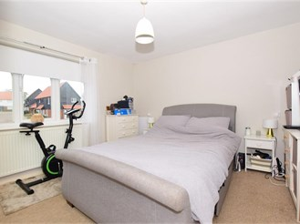 3 bed terraced house in East Langdon, Dover