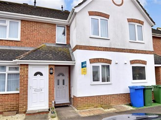 2 bed terraced house in Church Milton, Sittingbourne