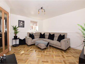 4 bed town house in Whitfield, Dover