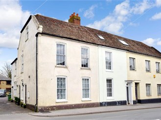 1 bed first floor flat in Faversham