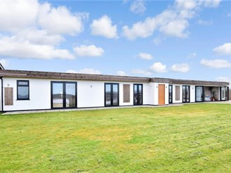 5 bed detached bungalow in Elmstone, Canterbury