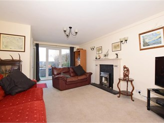 4 bed town house in Deal