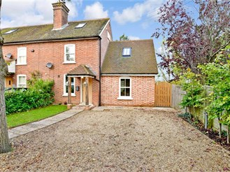 3 bed end of terrace house in Brenchley, Tonbridge