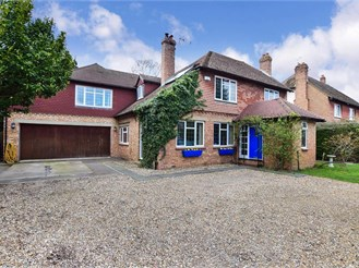 4 bed detached house in Maidstone