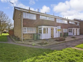 3 bed end of terrace house in Folkestone
