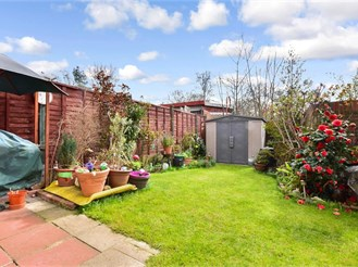 4 bed semi-detached house in East Ham, London