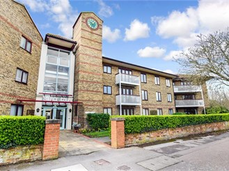 2 bed first floor retirement flat in Birchington