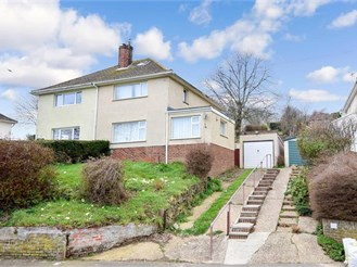 3 bed semi-detached house in Seabrook, Hythe