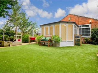 4 bed detached bungalow in Ulcombe, Maidstone