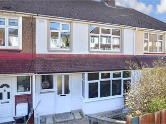 3 bed terraced house in Rochester