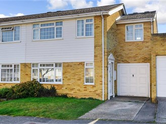 4 bed semi-detached house in Coxheath, Maidstone